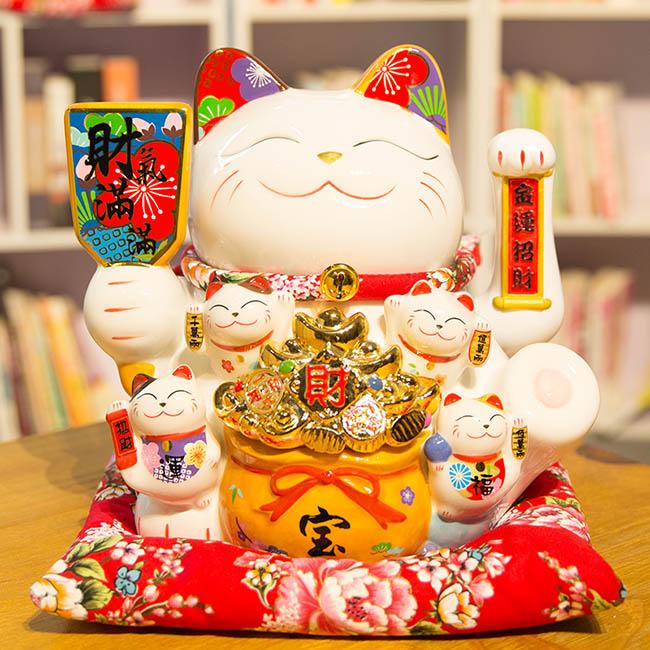 Mèo vẫy tay - Tiền vàng đầy hũ