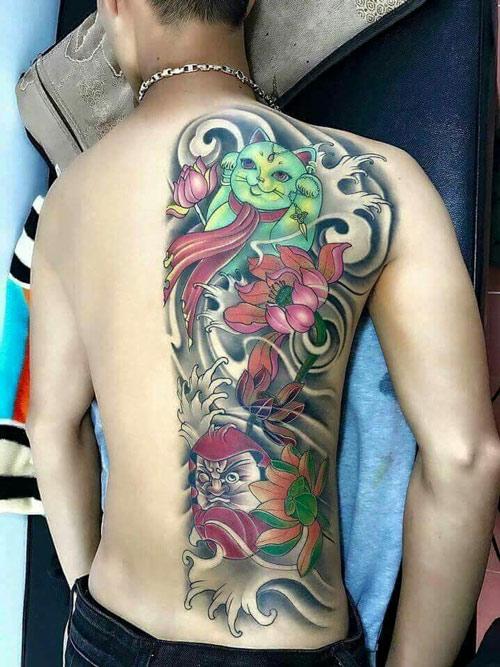 Độc lạ và sành điệu với kiểu tattoo mèo thần tài và daruma