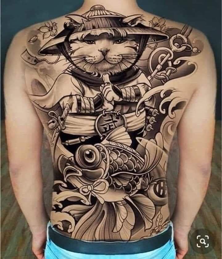 Mẫu tattoo mèo thần tài kín lưng chất ngầu
