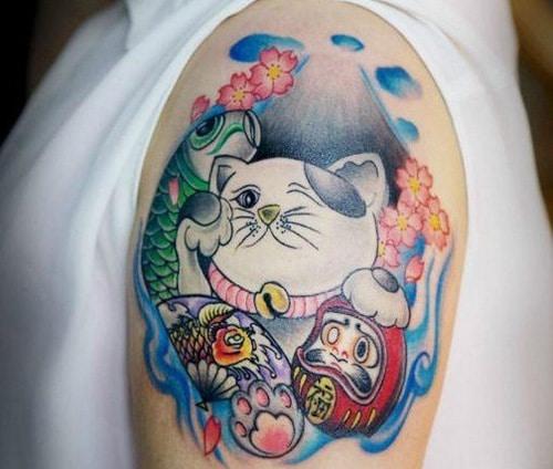 Ngộ nghĩnh và đáng yêu với tattoo mèo thần tài và daruma