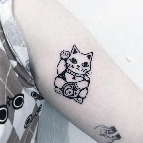 Tattoo mèo thần tài mini cách điệu