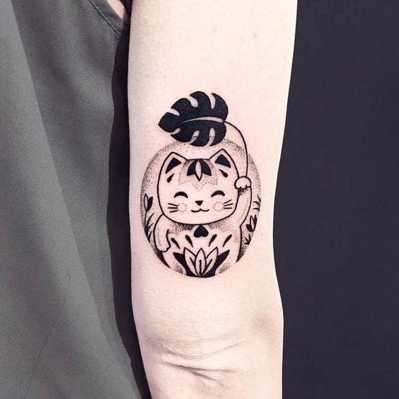 Tattoo mèo thần tài mini đẹp cho nữ