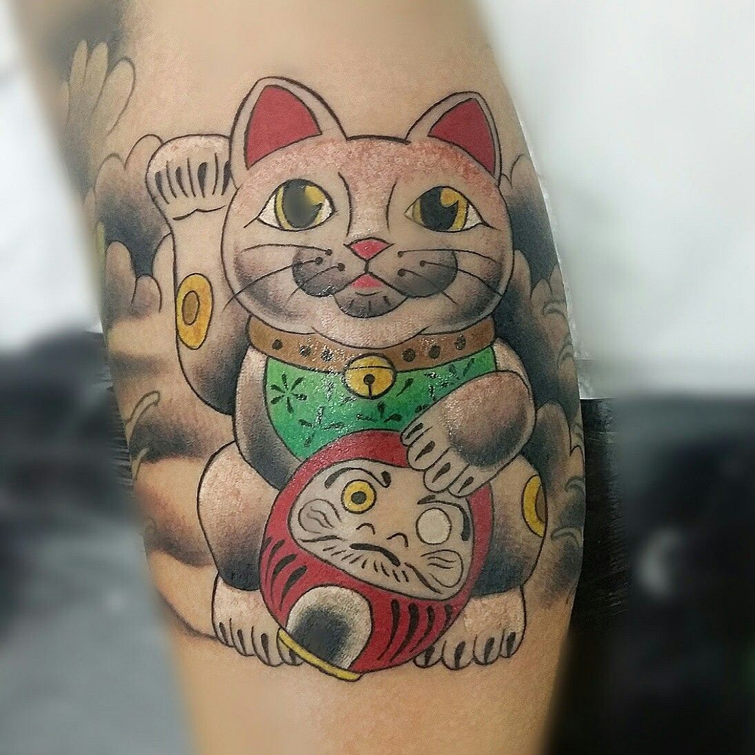 Hình xăm mèo thần tài với daruma đẹp nhất