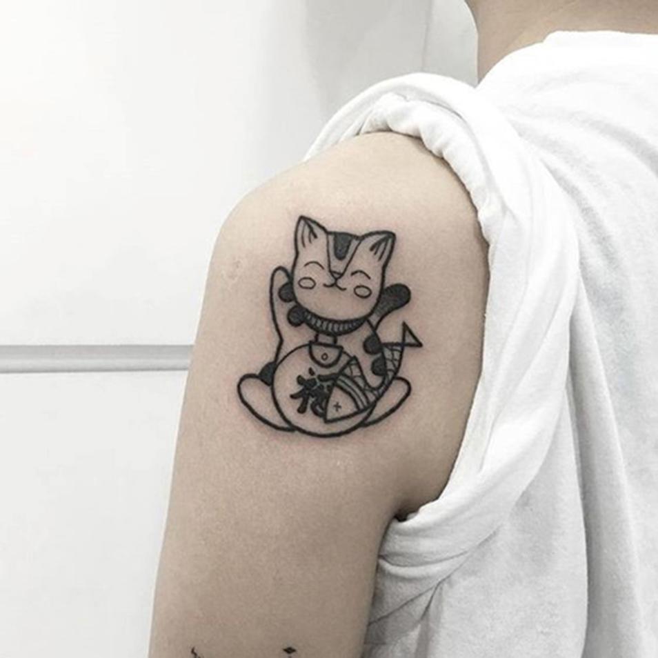 Xăm hình mèo thần tài ở tay đẹp nhất